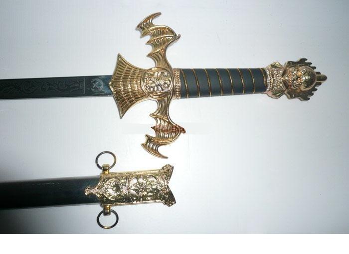 S0104 GOLD VAMPIRE BAT DEMON RISING SWORD W/ BAT WINGS ...