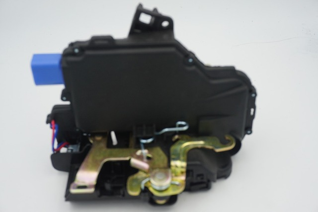 REAR LEFT Central Lock Actuator 6Y0839015A 6QD839015B 3B4839015AG  3B4 839 015AG FOR VW T5 POLO SKODA FABIA ROOMSTER