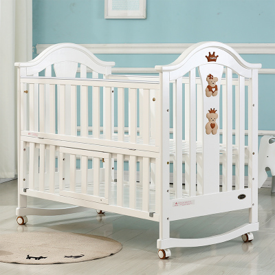 Cribs Solid wood Multifunctional European paintless baby bed Neonatal shaker Cradle bed Variable desk Feeding nets