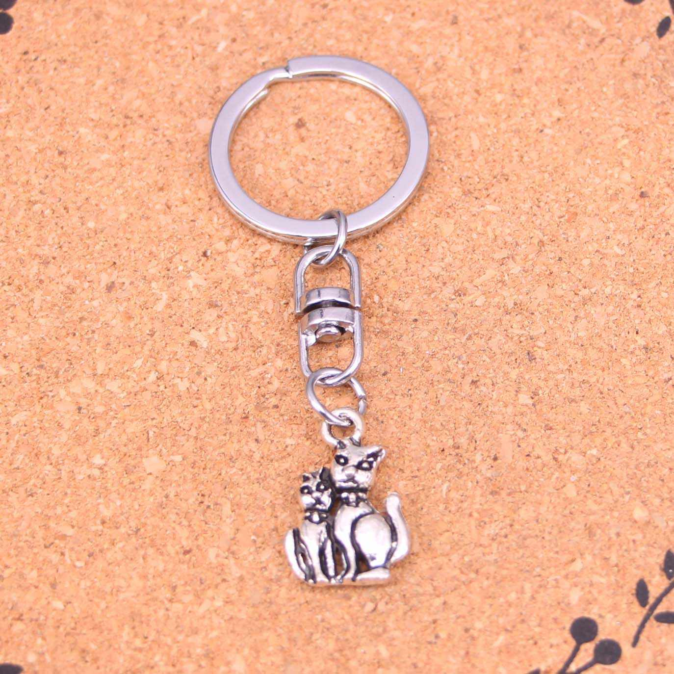 20Pcs Mother and son cat Keychain Novelty Gadget Trinket Souvenir Christmas Gift Keychain Drop Shipping