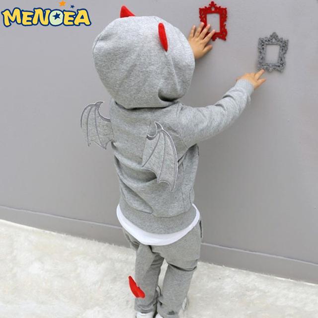 2017 Nuevos bebés del Otoño ropa deportiva de Manga Larga Casual traje de sistemas de los niños de la Historieta que arropan pequeño diablo de Halloween regalos