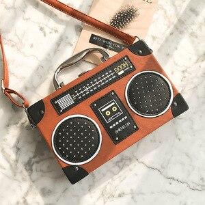 Image 4 - レトロラジオボックススタイルpuレザーレディースハンドバッグショルダーバッグチェーン財布女性のクロスボディメッセンジャーバッグフラップ