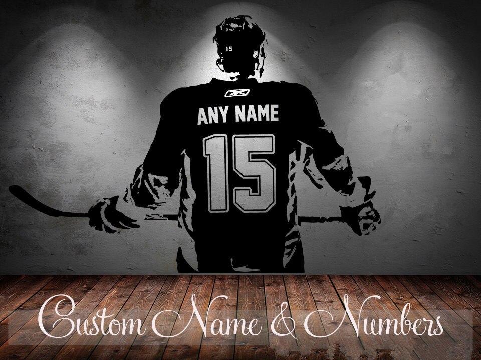 Giocatore di hockey su arte Della Parete Della Decalcomania Scegliere numero Nome personalizzato home decor Wall Stickers Per La Camera Dei Bambini Vinilos Paredes D645