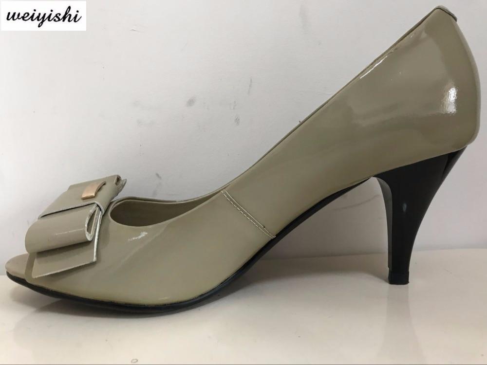 الرمادي الصنادل ، جديد جعل ، نمط جديد ، جلد البقر الحقيقي ، رمادي اللون-في الكعب المتوسط من أحذية على  مجموعة 1