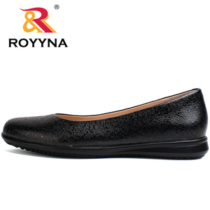 Image 2 - ROYYNA Hot Style Women Flats Round Toe Women Loafers Metal Color Material Female Shoes Light Soft PU Out Soles Ladies Shoes