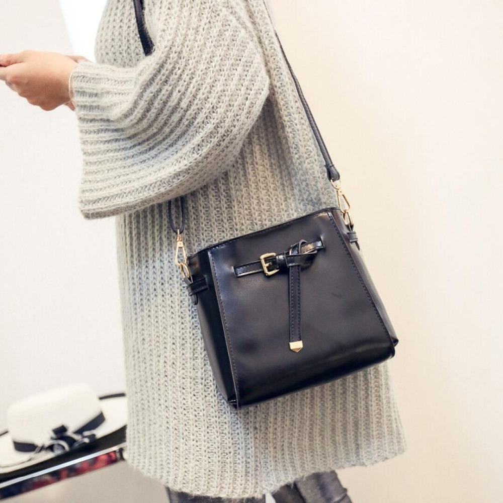 Whole sale version of the fashion Shoulder Bag 2017 New Wave T dpurpackage  fashion students girl style canvas  for bai le li fasiqi crocodile the female bag chain of the chain pig bao star in the style of 2016 new fashion single shoulder slanting mini