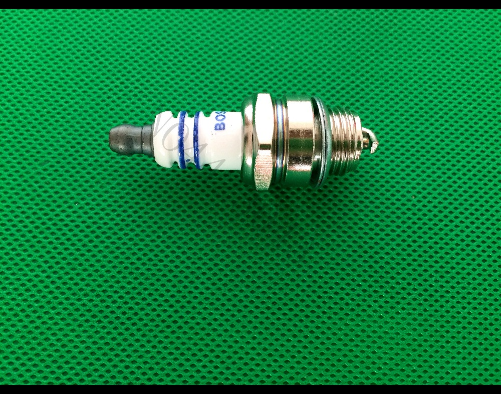 2pcs L7T Spark Plugs for 2 Stroke Trimmer Chainsaw Lawnmower Brush Cutter Parts