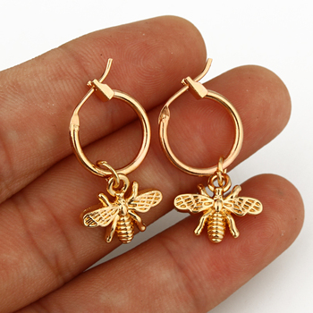 European Stereoscopic Trend  Cute Bee Hoop Earrings With Pendant Gold Silver Color Lovely Fashion Jewelry 4