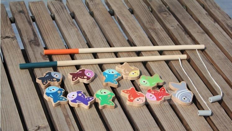 لعب الأطفال كبيرة الحجم خشبية الصيد مع 11 الأسماك و 2 قضبان / مربع التعبئة ألعاب الصيد في الهواء الطلق أطفال الأطفال هدايا عيد الميلاد