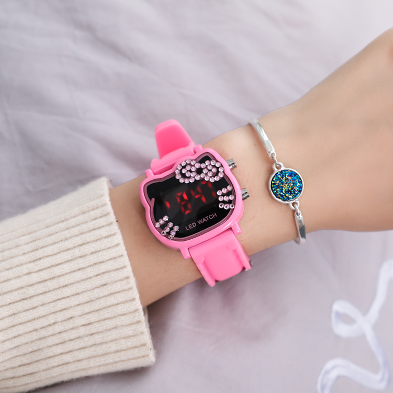 Hot Sales Cute Hello Kitty Watches Children Girls Crystal Watches Digital LED Kids Watches Women Bracelet Watch Relogio Feminino