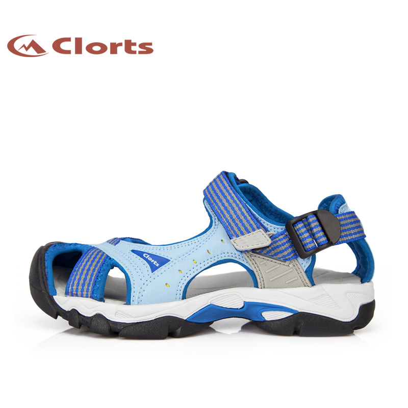 ФОТО Clorts Women Hiking Sandals PU Outdoor Beach Shoes Quick Dry Water Beach Shoes SD-202A/B/C