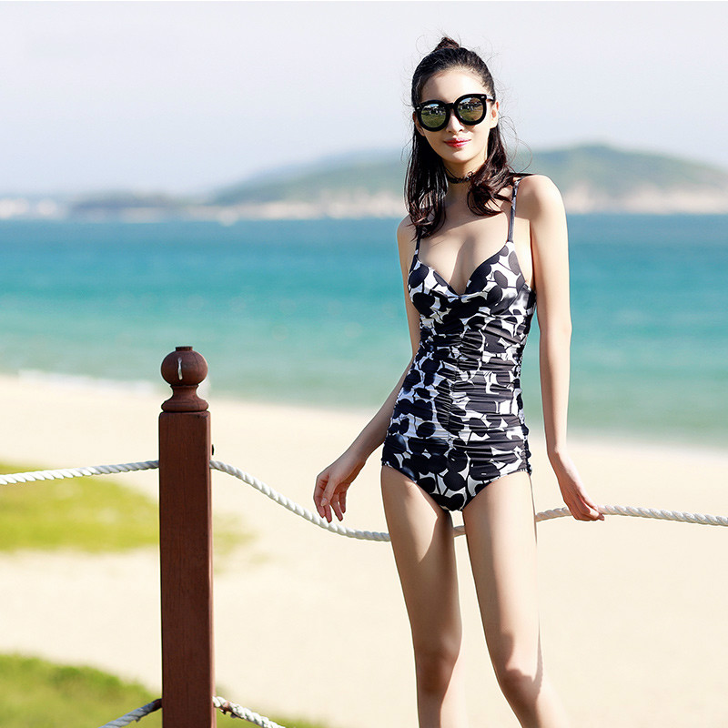 Beach Sports Woman Swim One-piece Swimsuit Flat Angle Smock Small Chest Gather Together Spa Sexy Swimwear