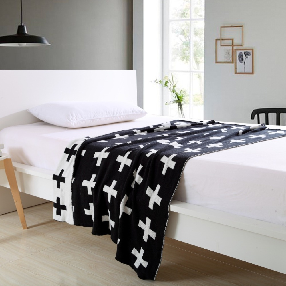 Warm Baby Bedding Black white 100% Cotton Baby Knitted Swaddle Blanket Sofa Crib Pram Cot Bed Play Mat Cobertores Mantas
