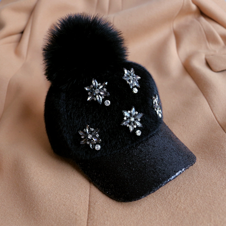 Female Winter Fashion Baseball Caps Warm Hat Hair Bulb Cap Sequins and Diamond Baseball Caps
