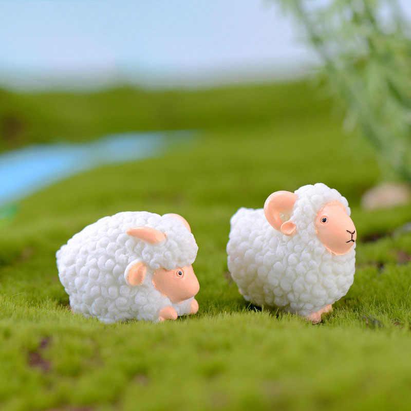 2 pçs bonito pequeno musgo de ovelhas micro paisagem terrário estatueta decoração resina engraçado bebês ornamento fada jardim em miniatura