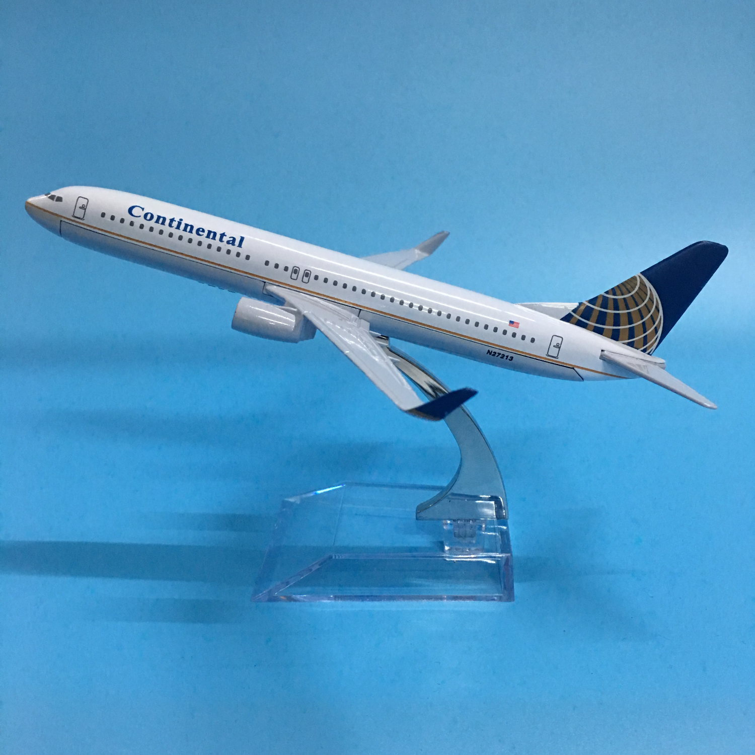 1:400 16cm Passenger Plane Boeing B737-800 N27213 Continental Airlines Alloy Airbus Juguetes Toy Airplane Model  Collectible