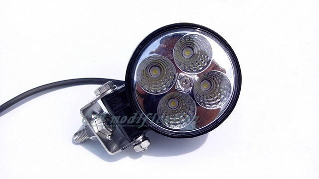 Free shipping 12 v and 24 v 700 lumens 12 w LED work light waterproof Marine deck tractor modified mountain fog light kit