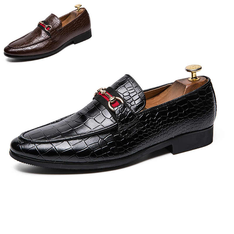 687773b7feb ... 2018 New Mens luxury Driving Boat Shoes Retro Moccasin Slip On Loafers  Mens Fashion leather business ...