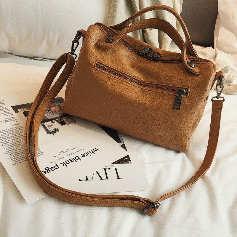 Vintage Rivet women Handbag Matte leather Boston Big Tote bag Winter new Shoulder Bags for Women Messenger Bag Blosa Sac (22)