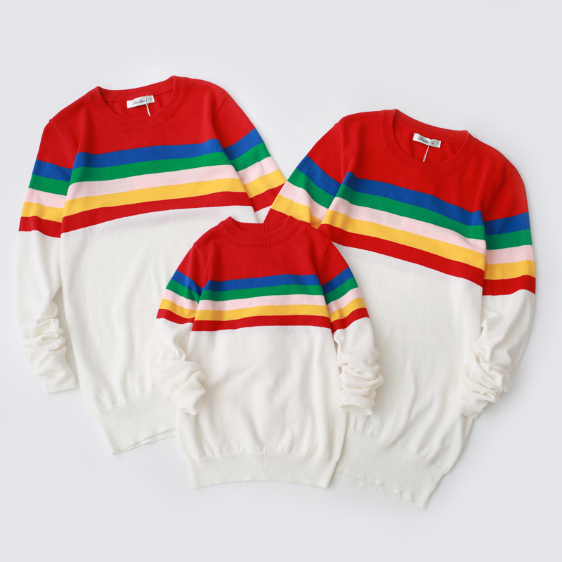 все цены на Family Matching Outfits Rainbow Plus Size Pull Over Sweater Mother Father Son Daughter Sister Brother Family Clothing Sweater онлайн