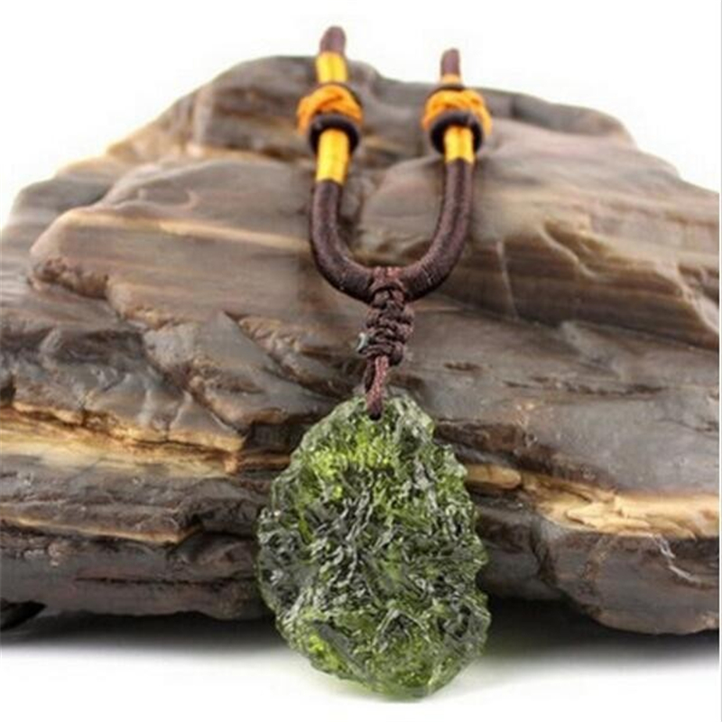 Hot Sale A++ Natural Moldavite Green Aerolites Crystal Stone Pendant Energy Apotropaic4g-6g/ Lot+ Free Rope Unique Necklace