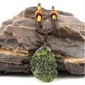 Heißer Verkauf A + + Natürliche Moldavit grün aerolithen kristall stein anhänger energie apotropaic4g-6g/ lot + freies seil Einzigartige Halskette