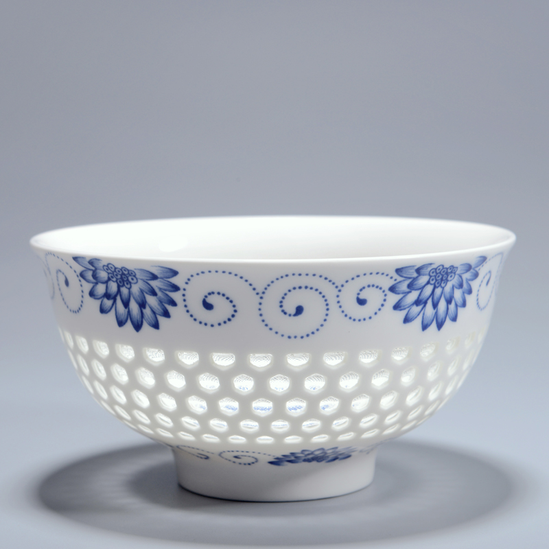 4.5Inch Creative China Dinnerware Ceramic bowl Blue and White Porcelain Hollow Rice Bowls Soup Flower Pattern Kitchen Tableware