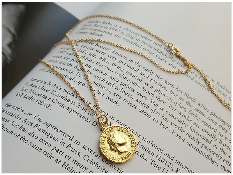 SRCOI Retro Gold Silver Color Portrait Round Alloy Coin Pendant Minimalist Figure Face Chain Choker Necklace Women Party Jewelry 5