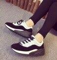 2016 Moda de Nueva Llegada de Cuero Genuino Caminar Zapatos Casuales Atan Para Arriba Blanco Negro Plataforma Zapatos Deportivos Comodidad