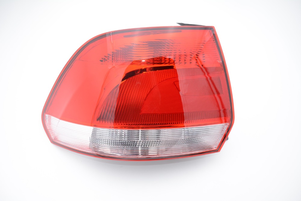 1Pcs LH Left Side Tail Light Lamp Rear Light Assembly 6RU 945 095 For Volkswagen POLO SEDAN VENTO 2010-2014 mzorange1pcs driver side lh 8330a787 tail light taillamp rear lamp light for mitsubishi outlander 2013 2015