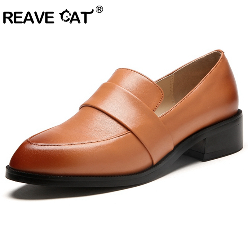 REAVE CAT Women Flat Women genuine leather shoes Summer shoes Round Toe Fashion Black Brown Patent leather Female Shallow A822 fashion horse hair tassels leather leopard pattern flat shoes black brown pair 37