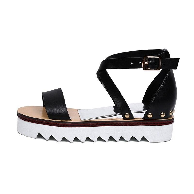 D'été Pour Loisirs blanc 2019 Sarairis À Noir Gladiateur forme Vendre Plate De En Femme Cuir Chaussures Rivets Véritable Sandales 80PXnwONk