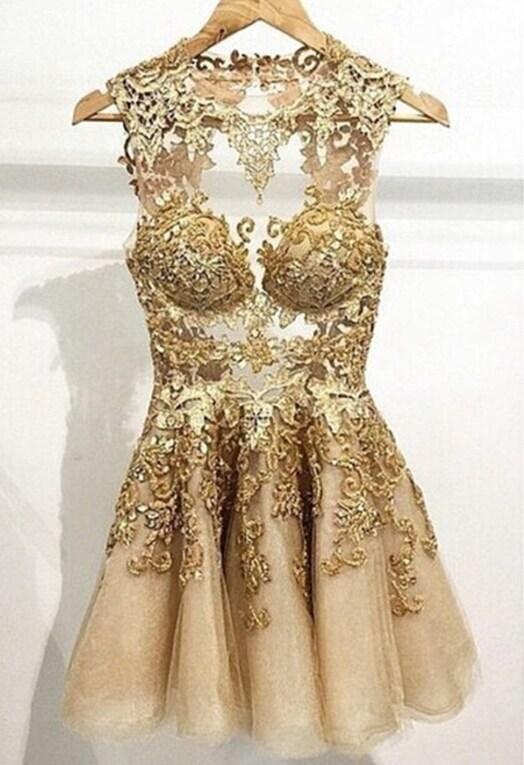 Robes de demoiselle d'honneur à la mode 2018 robe or Applique une ligne retour o-cou sans manches courte fête dentelle robes de bal