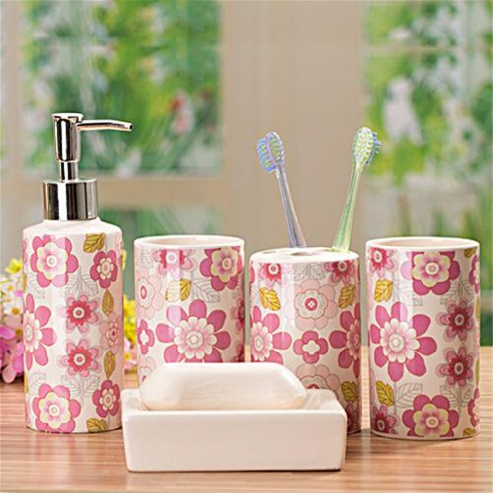 Acquista all'ingrosso online accessori da bagno in ceramica set da ...