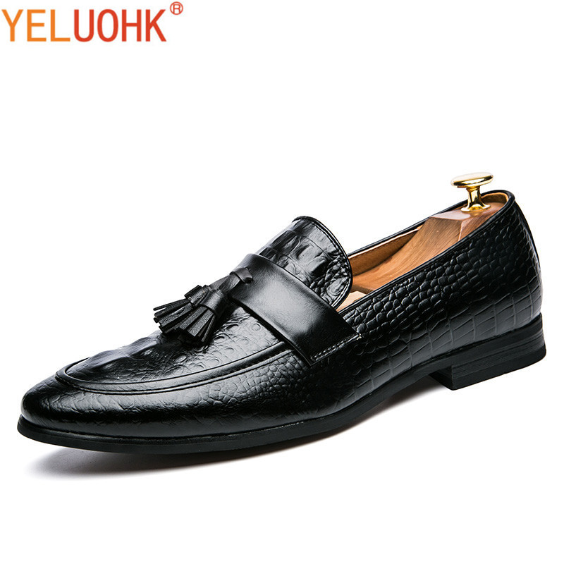 Fringe Leather Shoes Men Loafers Pointed Toe Moccasins Men Shoes Casual Slip On Men Leather Shoes