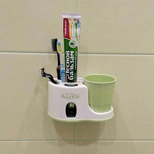 1PC Automatic Toothpaste Dispenser With Cup Toothbrush Holder Toothpaste Squeeze With Sucker Wall Mounted Bathroom Accessories