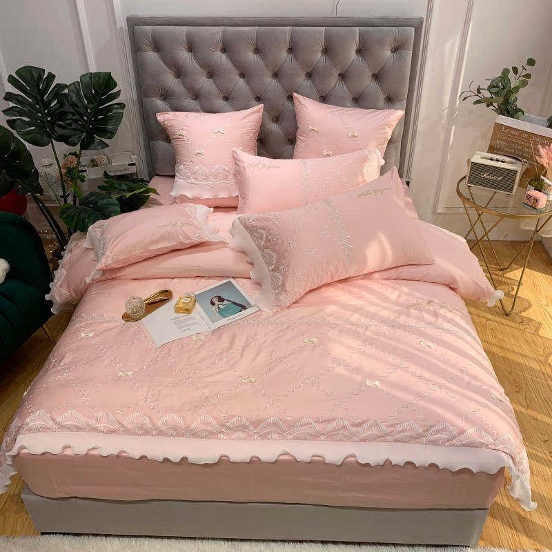 Luxury Embroidery <font><b>Egyptian</b></font> <font><b>cotton</b></font> Wedding <font><b>Bedding</b></font> <font><b>sets</b></font> Queen King <font><b>Duvet</b></font> cover Bed sheet Pillowcase pink lace 4pcs bedclothes image