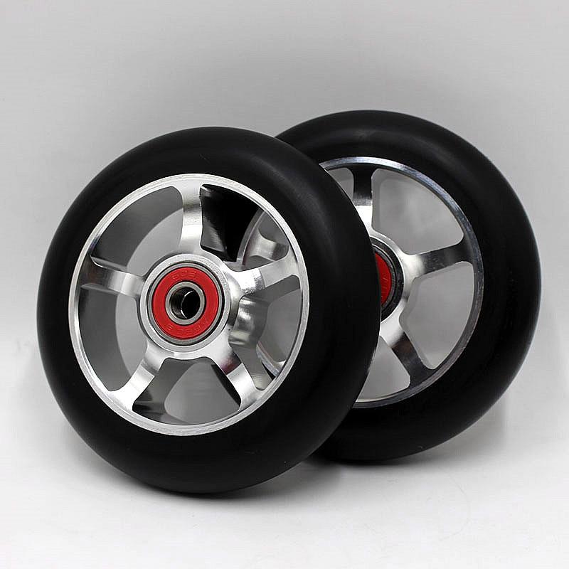 Prix pour 2 PCS Bonne Qualité Rouleau Jalonnement Ultime Scooter Roues En Aluminium 100 MM 88A