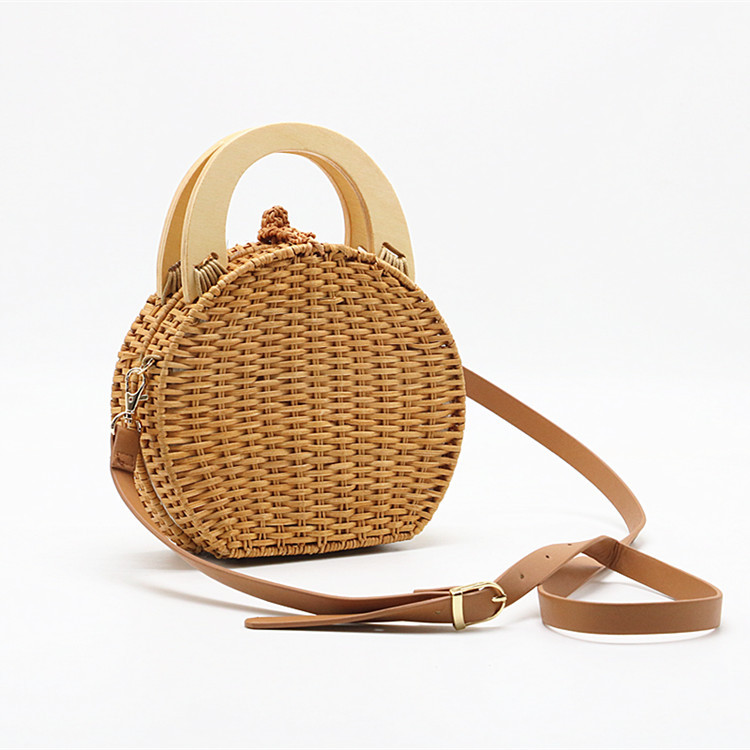 Handmade Criss-cross Camel Color Messenger Shoulder Bag Straw with Wood Ring HandlesHandmade Criss-cross Camel Color Messenger Shoulder Bag Straw with Wood Ring Handles