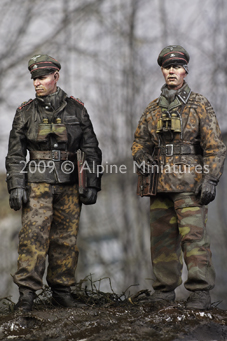 1:35    LAH Officers In The Ardennes Set (2 Figures)2