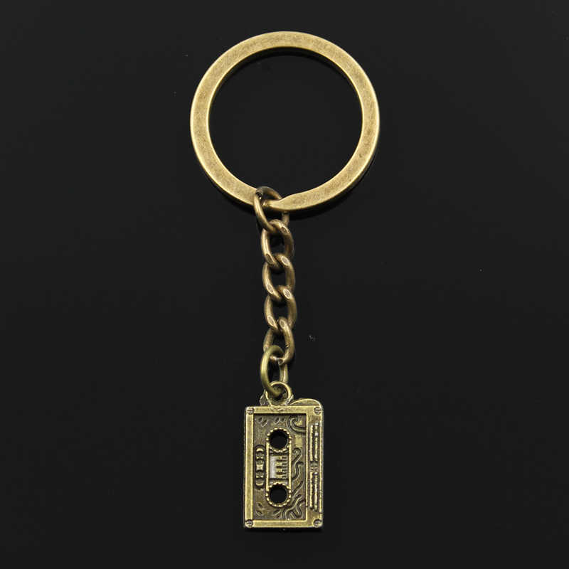 الموضة 30 مللي متر حلقة رئيسية معدنية مفتاح سلسلة المفاتيح مجوهرات العتيقة الفضة البرونزية مطلي ريترو 80's كاسيت الشريط 23x12 مللي متر قلادة