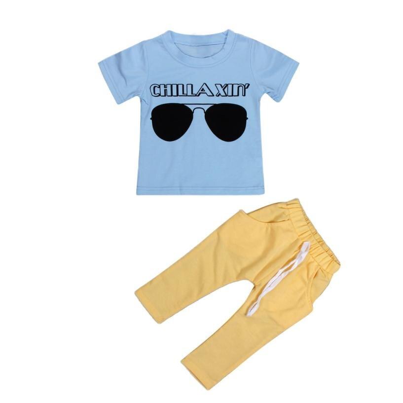 2018 для маленьких мальчиков короткий рукав солнцезащитные очки Футболка с принтом и эластичные штаны комплект одежды 5,21 ...