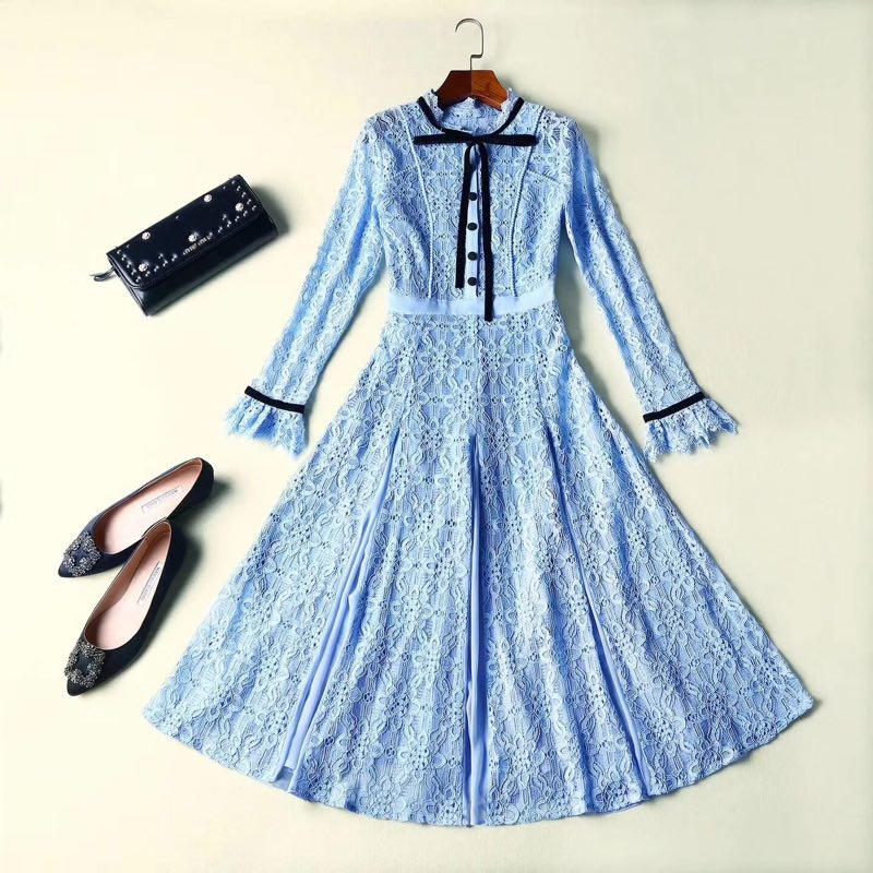 Kat Milton Princess Blue Lace Dress 2017 Autumn New Arrival England High Quality See Through Flare Long Sleeve Midi Dress autumn long lace dress cut out pink blue fit and flare sleeve bodycon tunic evening party midi dress european style