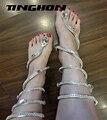 Mulheres sandálias de Cristal Em Torno Das Mulheres Gladiador Sandália Botas mulheres 2017 Chegam Novas Cobra Plana Mulheres Sapatos de Verão Frete grátis