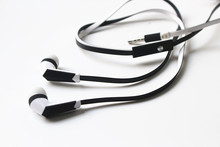 Zinc Tipped Aux Cable Stereo Audio Cable+Flat Earphone Earbud MIC for Mp3 MP4 1000pcs/lot