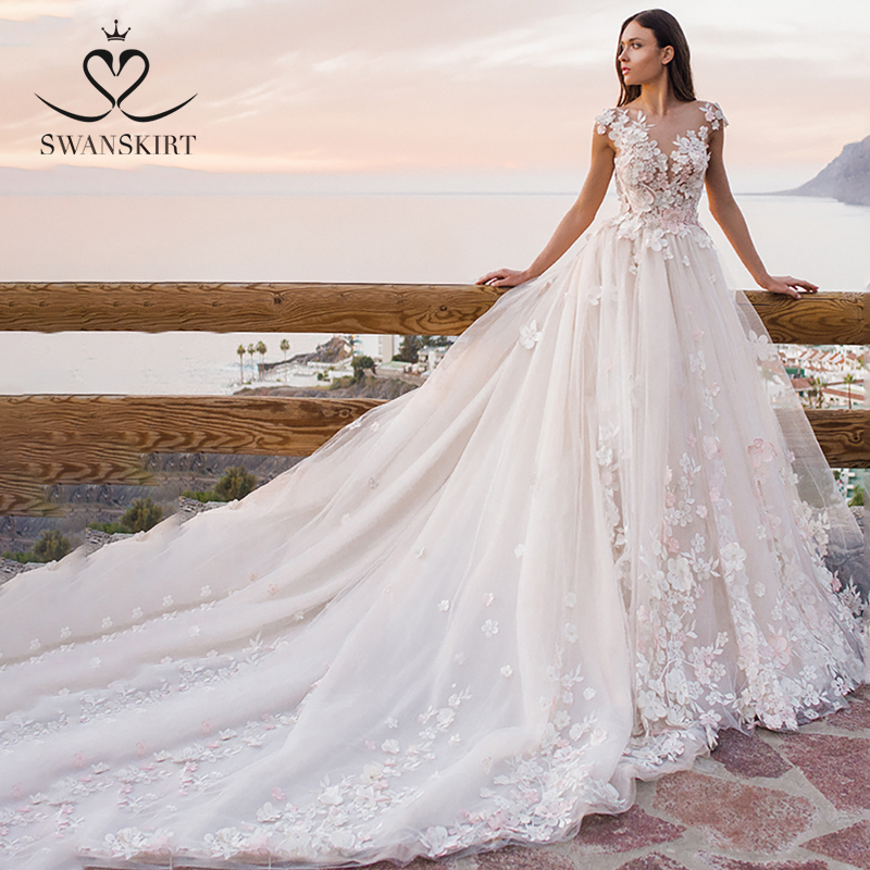 Swanskirt Flowers Ball Gown Wedding Dress 2019 Romantic Appliques Backless Beaded Chapel Train Bridal Gown Robe De Mariee OZ05