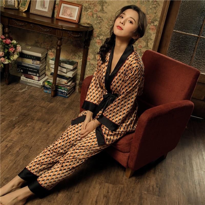 2019 Spring Casual Kimono Bath Gown Print Lady 3PCS Sleepwear Sexy V-Neck Cami+Pants+Robe Home Wear Satin Nightwear   Pajama     Set