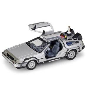 Image 3 - 1/24 مقياس معدني سبيكة سيارة دييكاست نموذج جزء 1 2 3 آلة الوقت DeLorean DMC 12 لعبة مجسمة العودة إلى المستقبل يطير الإصدار الجزء 2