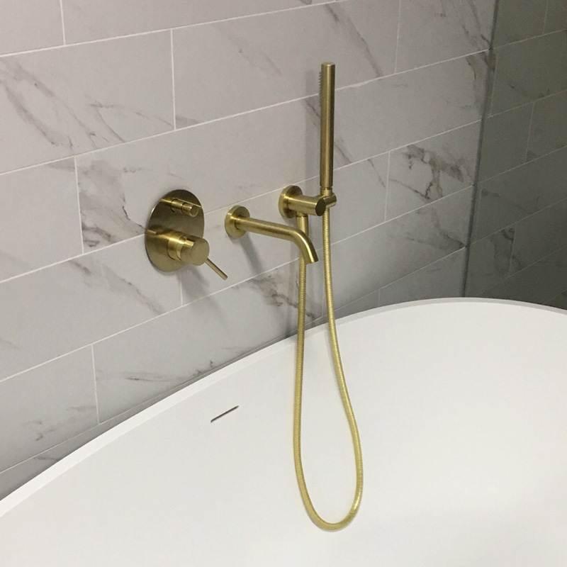 MTTUZK латунь матовый золото ванной кран с handsprays горячей и холодной смеситель набор настенный ванны смеситель для душа