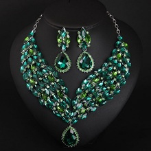 Luxury Green Crystal Necklace Set Sale Jewelry Female Dresses Exaggerated Accessories Dinner Parties Wedding Jewelry Wholesale residence major suit high set counters million baroque full luxury retro dinner exaggerated statement necklace girlfriend gift